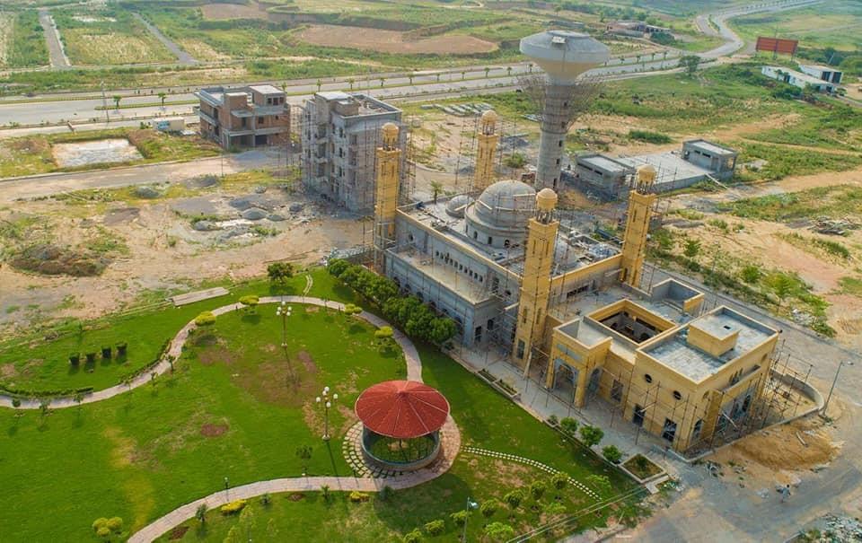 Jamia Mosque Taj Residencia